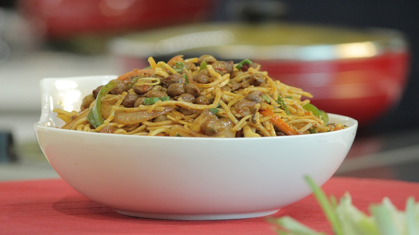 chana hakka noodles