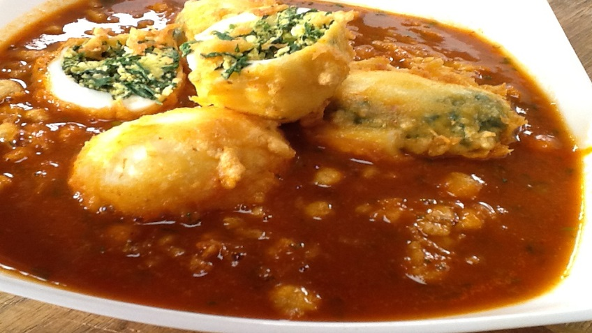 STUFFED EGG SPINACH CURRY